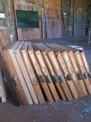 Limited Edition auf alten Schubladen aus Holz,